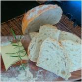Jah. Brot und Kase; das ist sehr gutt!