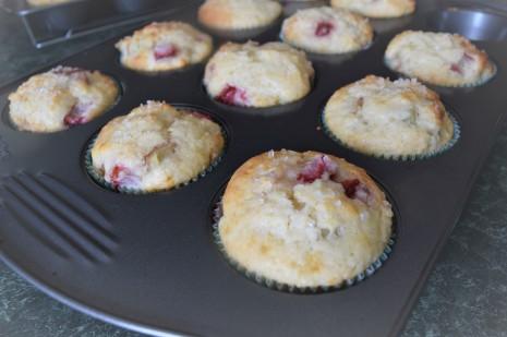Strawberry Rhubarb Muffins (2)